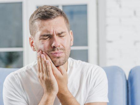 Dores e incômodos no maxilar pode ser problema de DTM